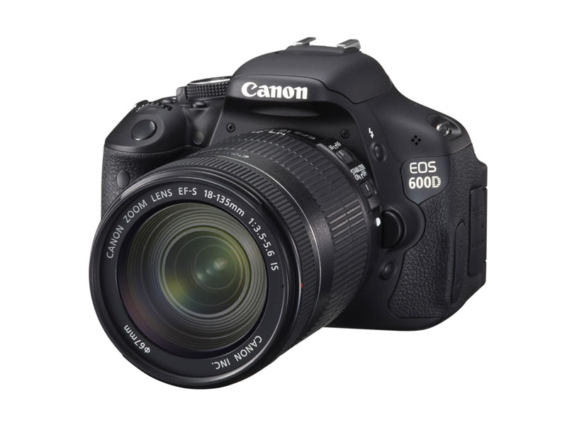 Зеркальный фотоаппарат CANON EOS 600D + EF-S 18-135 IS Kit