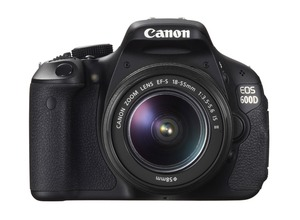Зеркальный фотоаппарат CANON EOS 600D + EF-S 18-55 IS II Kit