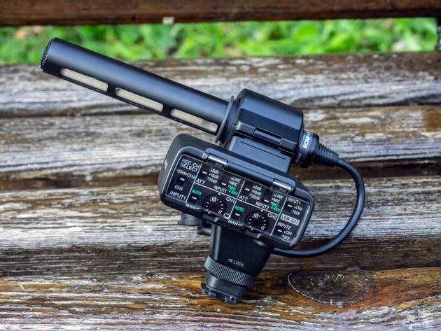 Комплект Sony XLR-K2M без ветронасадки.